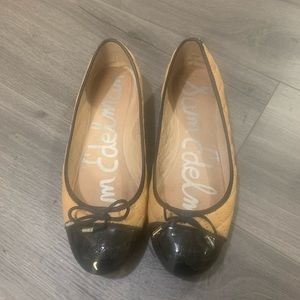 Sam Edelman beige/ black quilted flats in size 9
